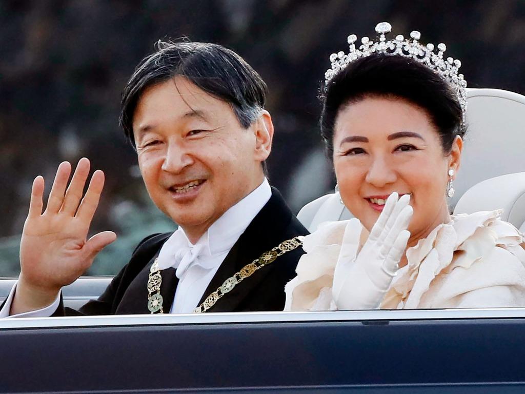 """日本天皇""""祝贺御列之仪""""举行 雅子皇后巡游时落泪[图集]"""